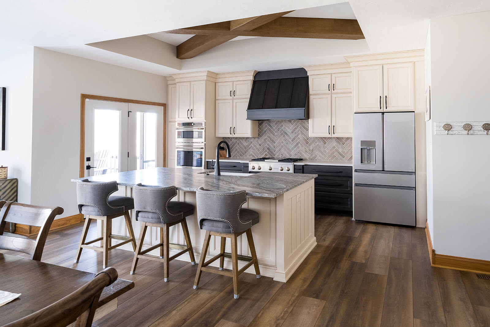 Considerations When Selecting Wood Finishes